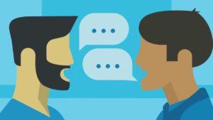 personas teniendo comunicación activa