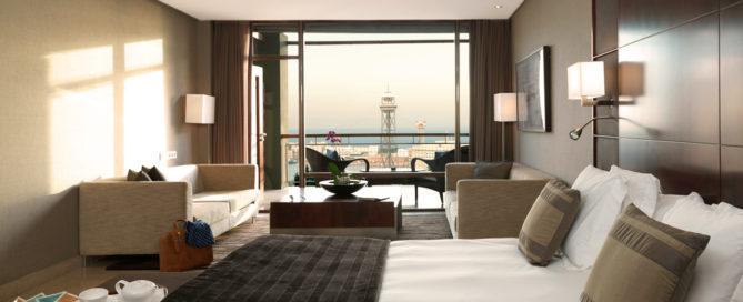diseño de una habitación de hotel con muebles