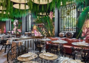 decoración vegetación comedor hotel